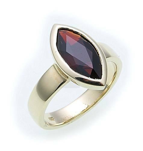 Damen Ring m. Granat in Gold 333 Granatring Gelbgold Qualität 8556/3GR