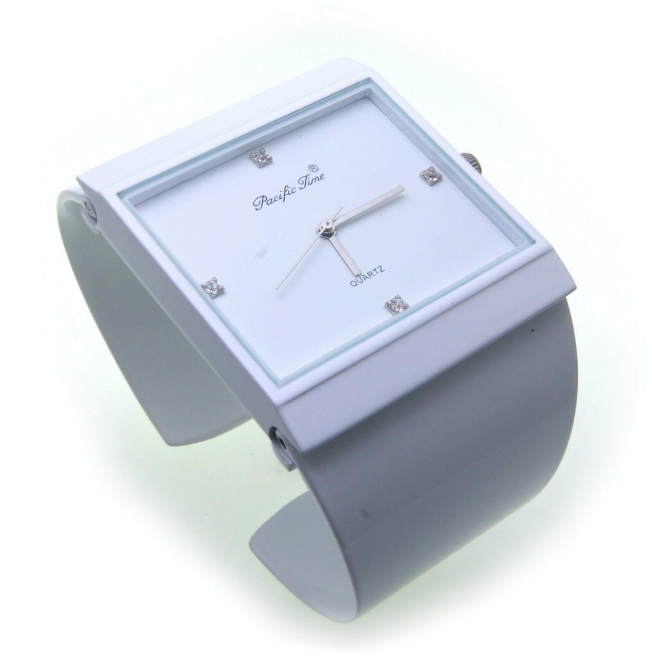Neu exklusive Damen Uhr weiß Quarz Spangenuhr Spange crystal blue quadratisch