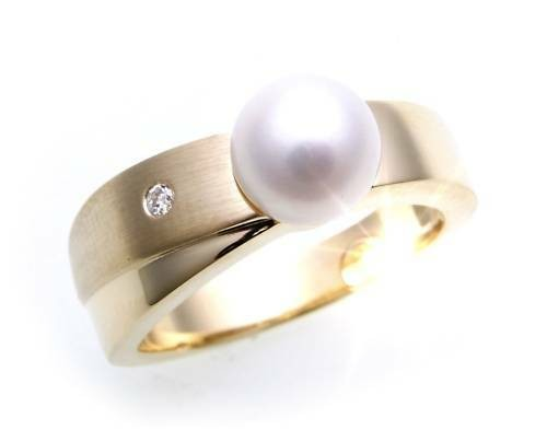 Damen Ring echt Gold 585 Perle 7,5 mm Brillant 0,02ct. Gelbgold Diamant