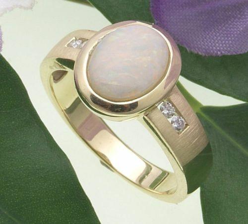 Damen Ring Gold 585 Brillant 0,06ct Opal Milchopal 9x7 Qualität Gelbgold Diamant